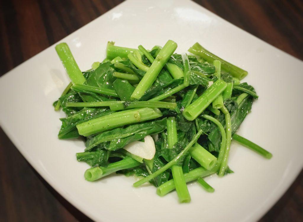 青菜の炒め ニンニク風味