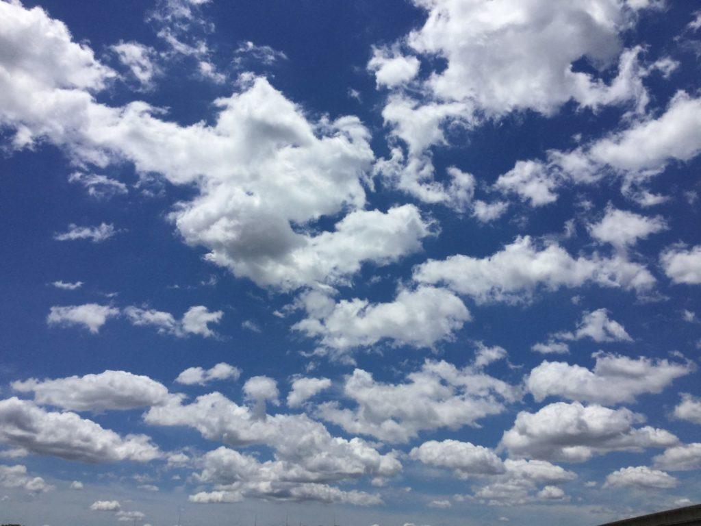 ベランダから撮った雲