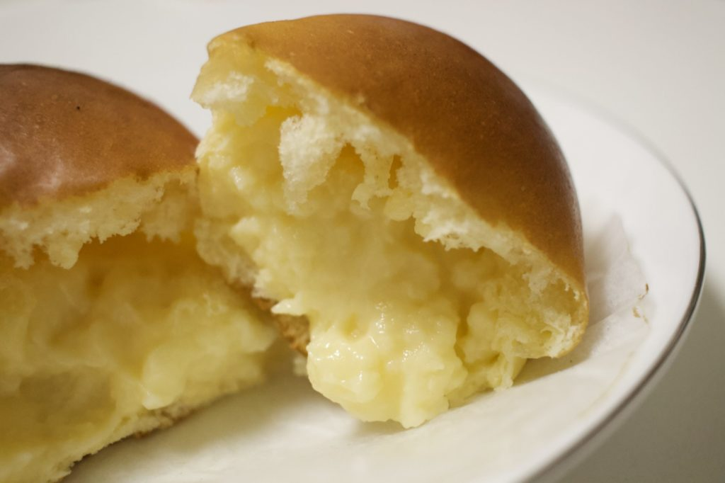 シズヤのクリームパン