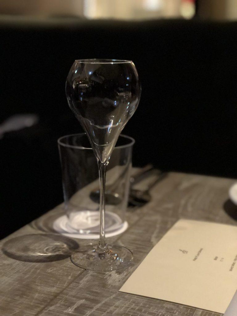 ジョニーズブラッセリー グラス