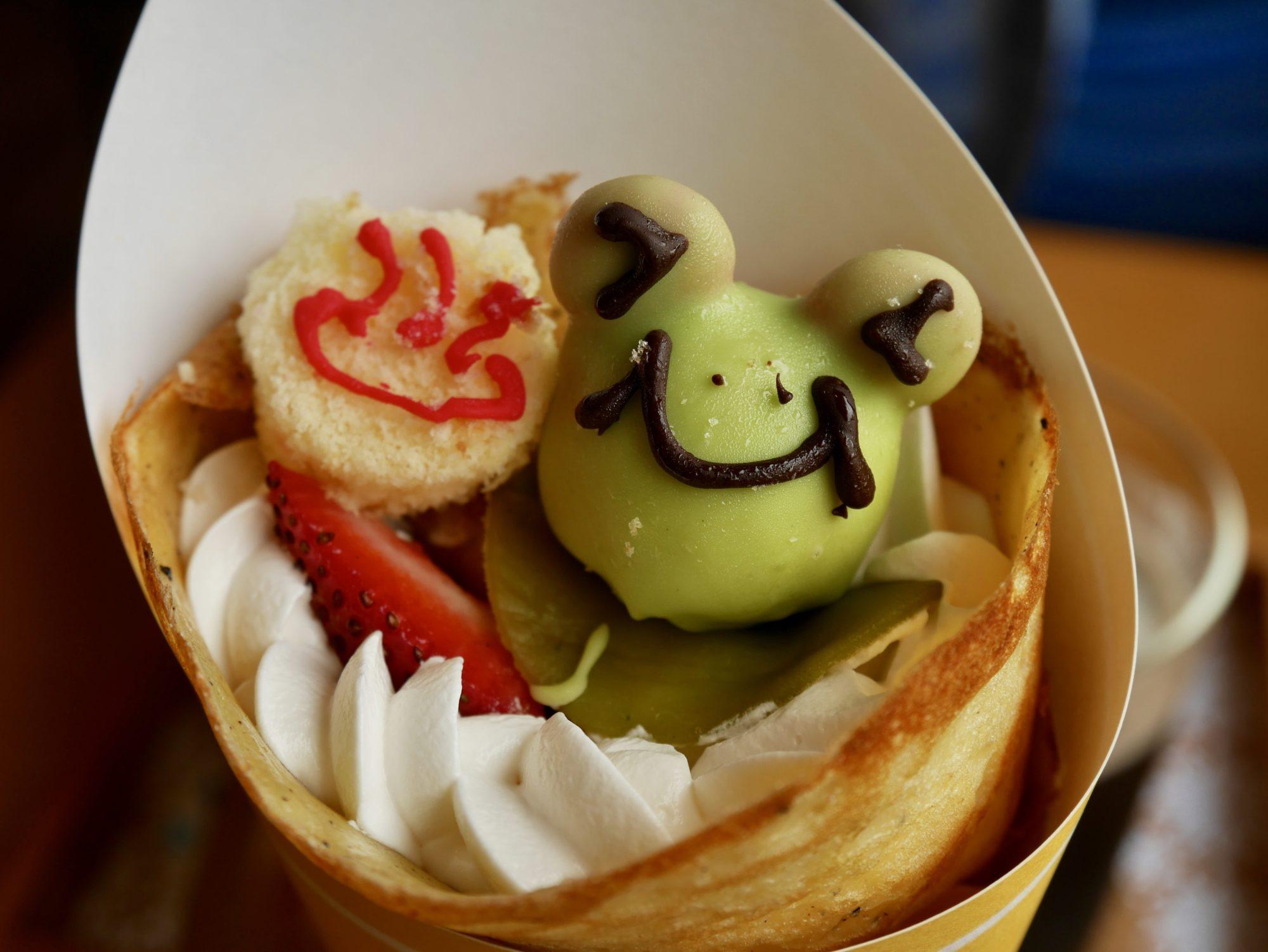 【下呂温泉限定スイーツ】カエルのお菓子が乗った、かわいいすぎるクレープ♡